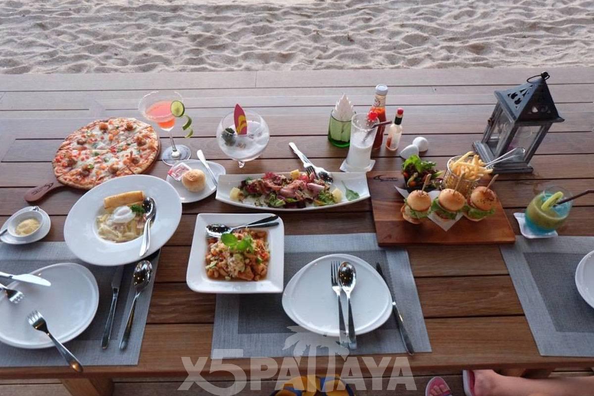 фото еды на столе